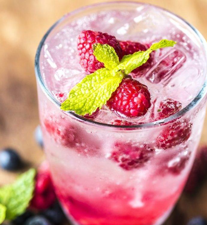 Pinke Limonade selber machen – voll mit Antioxidantien